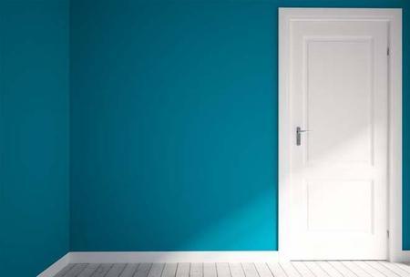"""墙面油漆工艺:一底两面三批三磨""""是整体的施工工艺,""""一底两面""""指的是底、面漆的施工次数,""""三批三磨""""指的是对墙体抹腻子进行修补。"""