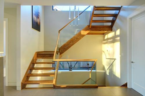 楼梯图片.jpg